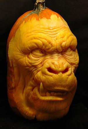 Pumpkin carving: Expert Pumpkin Carving