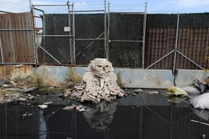 Banksy in NYC update: Replica of the Sphinx Of Giza