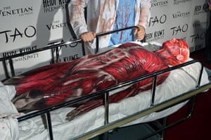 Celebs Halloween costumes: Heidi Klum's muscle outfit