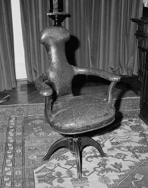 Sigmund Freud's chair by Tereza Zelenkova