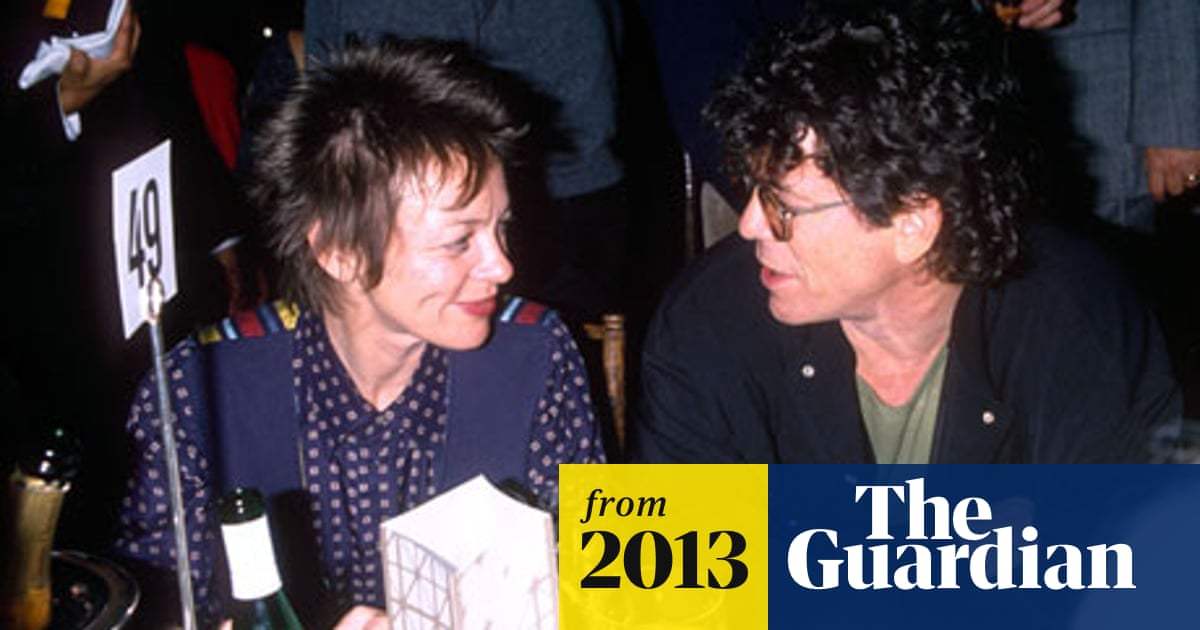 Lou Reed's widow breaks silence with obituary in local