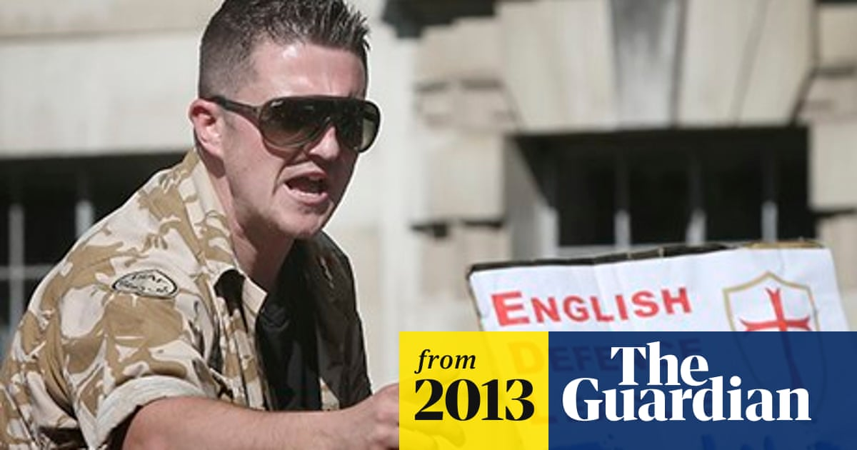 EDL: Tommy Robinson and deputy Kevin Carroll quit far right group