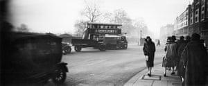 Henri Lartigue: Bibi à Londres, 1926