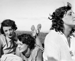 Henri Lartigue: Bibi, Freddy et Margot, Aix-les-Bains, 1928