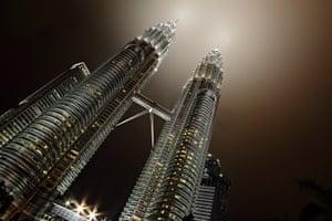 CBRE winners: 9pm - Petronas Tower (Kuala Lumpur, Malaysia)