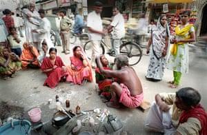 CBRE winners: 11am - Road side dentist (Varanasi, India)