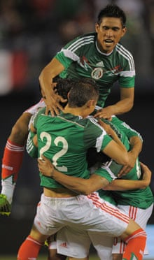 Mexico celebrate a goal from Oribe Peralta