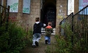 households lone breadwinner biggest group poverty uk