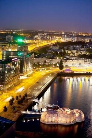 Rotterdam floating pavilion