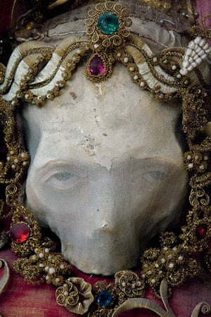 Heavenly Bodies: Deodatus skull relic