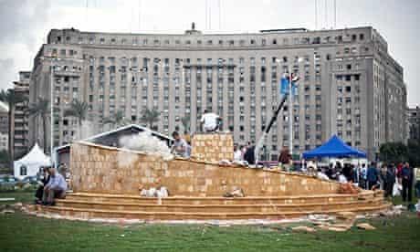 Tahrir Square memorial under construction 17/11/13