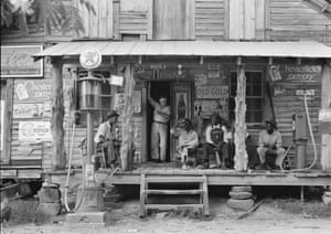 The Great Depression: a country store in North Carolina July 1939