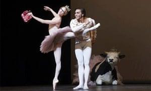 Stuttgart Ballet in Le Grand Pas de Deux