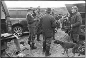 Elliott Erwitt: Shooting group with dogs