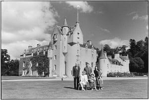 Elliott Erwitt: Ballindalloch castle and family