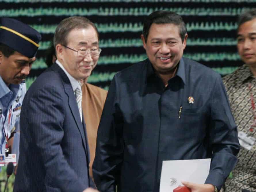Ban Ki-moon, left, with Indonesian president Susilo Bambang Yudhoyono at the 2007 Bali conference.