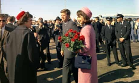 Kennedys arriving in Dallas