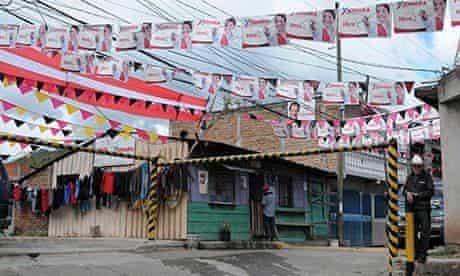 Pro-Castro signs in Tegucigalpa