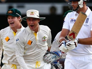 Steven Smith and Michael Clarke celebrate as James Anderson walks