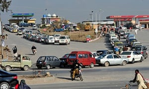 Pakistan's government deflates dream of gas-powered cars