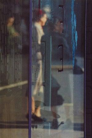 Saul Leiter: Walking, 1956