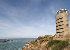 Cool Cottages:Channel Isl: Radio Tower