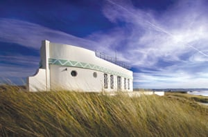 Cool Cottages:Channel Isl: Barge Aground, St Ouen Bay, Jersey
