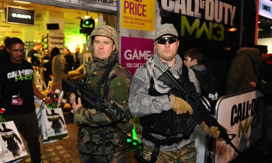 Gamers queuing for Call of Duty