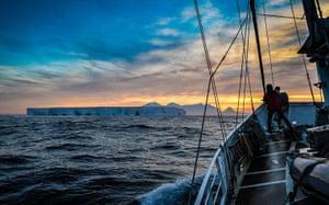 Sunlightgallery: Clarence Island, Antarctica