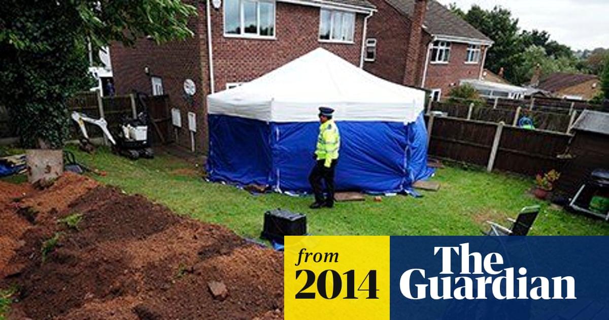 Mansfield Back Garden Murders Couple Admit Burying Parents Uk News The Guardian