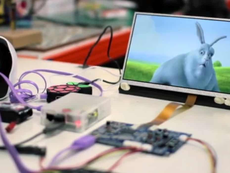 The HDMIPi is an affordable 9in high-definition monitor for the Raspberry Pi.