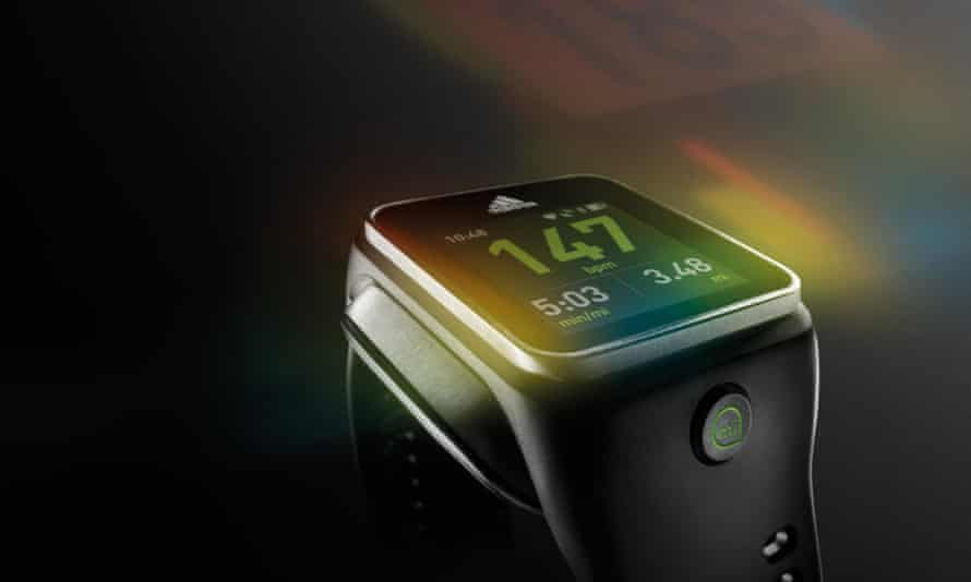 Adidas miCoach Smart Run - a smartwatch without apps.