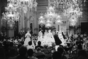 V&A: Italian fashion: Fashion show in Sala Bianca