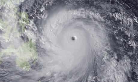 Super Typhoon Haiyan hits the Philippines