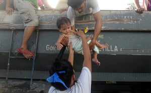 Typhoon Haiyan: Residents return to their houses after l