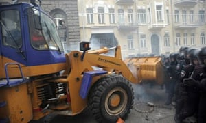 Ukrainian protesters in digger