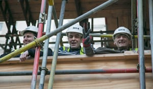 Cops off campus protest: Local builders watch student protestors