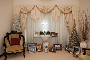 Christmas by artists: Christmas pictures by artists Martin Parr