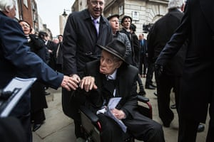 Ronnie Biggs update: 2013: Ronnie Biggs at the funeral of Bruce Reynolds