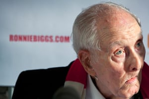 Ronnie Biggs update: 2011: Ronnie Biggs at a press conference to launch his book 'Odd Man Out: L