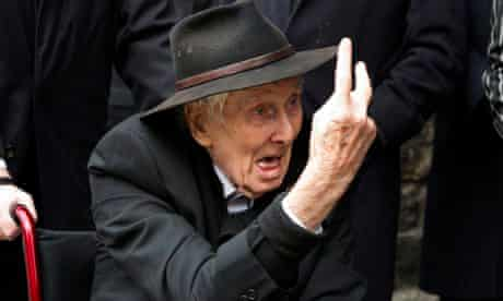 Ronnie Biggs at Bruce Reynolds's funeral