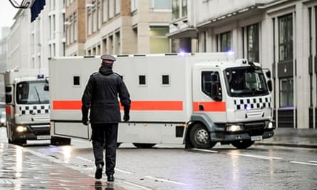 High security armed Met police convoy arrival of both Michael Adebolajo and Michael Adebowale to Old