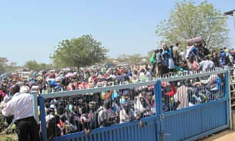 South Sudanese civilians crowd at the United Nations mission in Bor