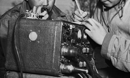 field radio second world war