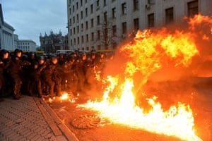 Ukraine update: Molotov cocktail explodes in front of police