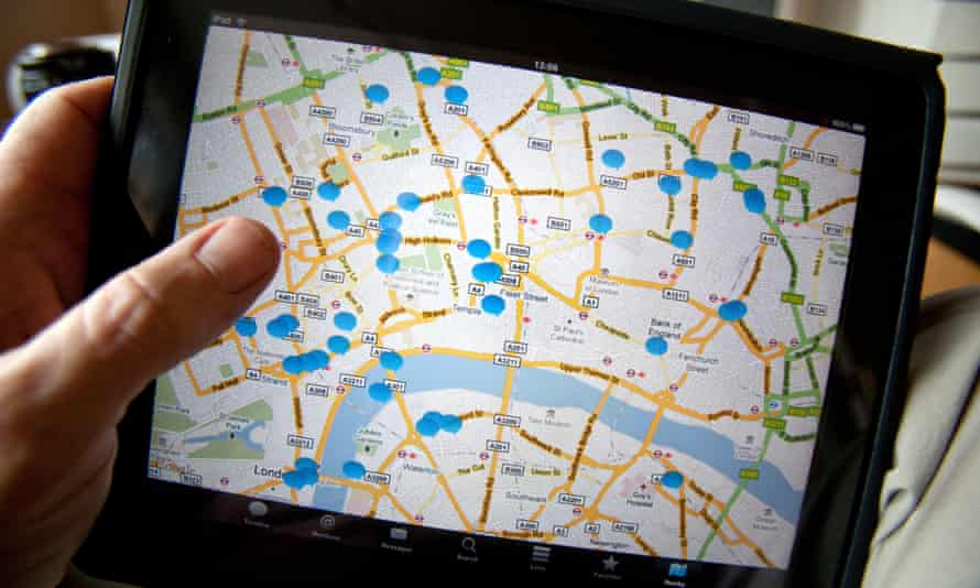 iPad showing location of tweets: is Topsy intended to improve it?