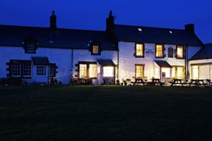 Pubs: The Ship Inn at Low, Newton-by-the-Sea, Northumberland