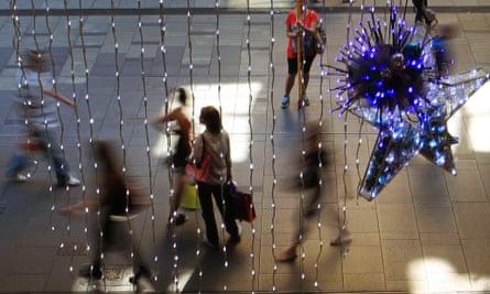Christmas shoppers Sydney Pitt Street mall