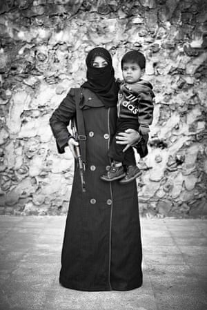 Female Syrian fighter