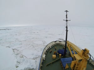 A view from the deck of the Akademik Shokalskiy